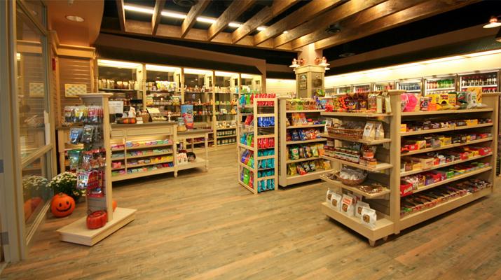 обособен път, по който да се движат посетителите на магазина Ликс Мебел Бургас