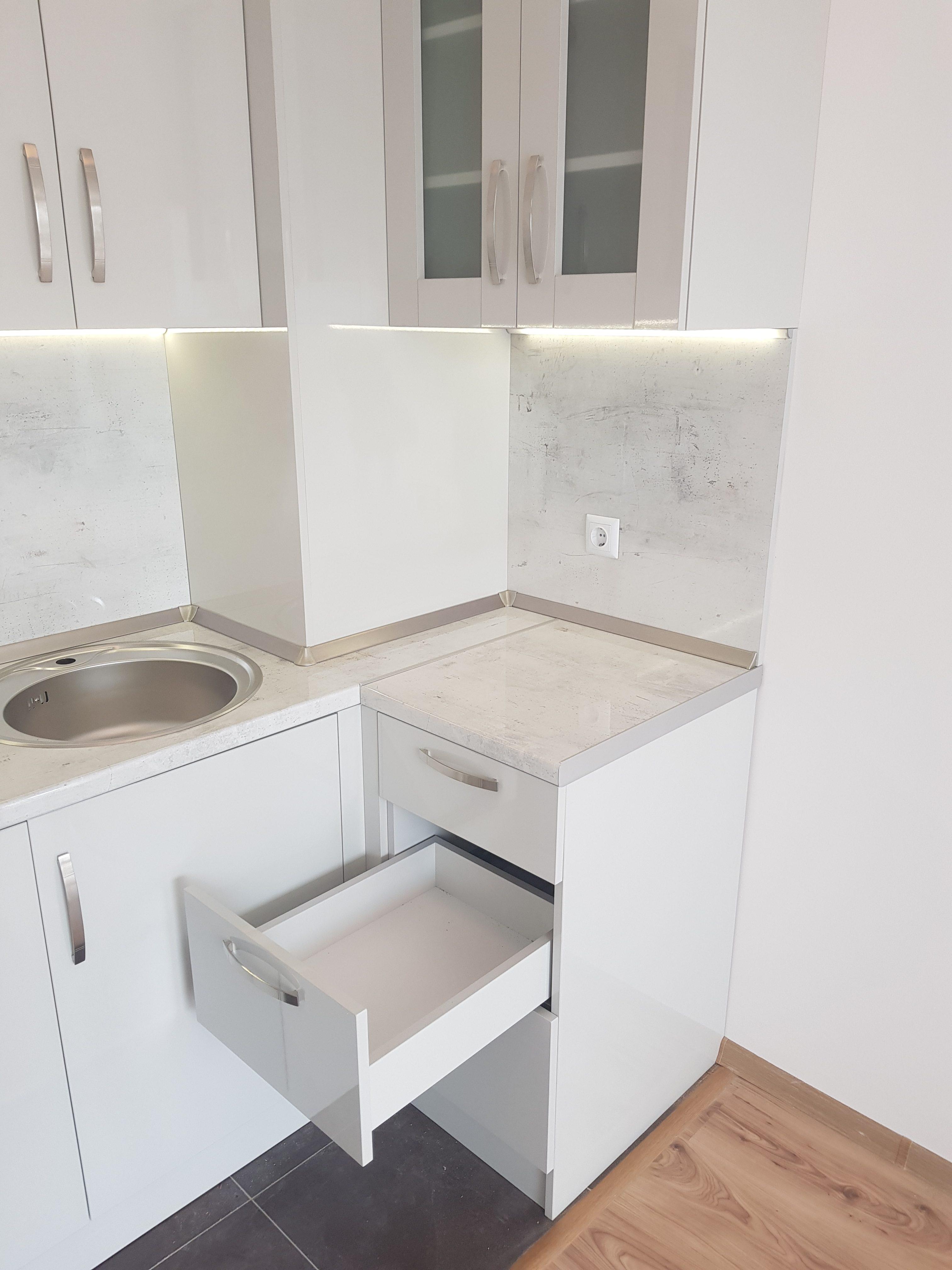 Кухня в модерен стил Л-15